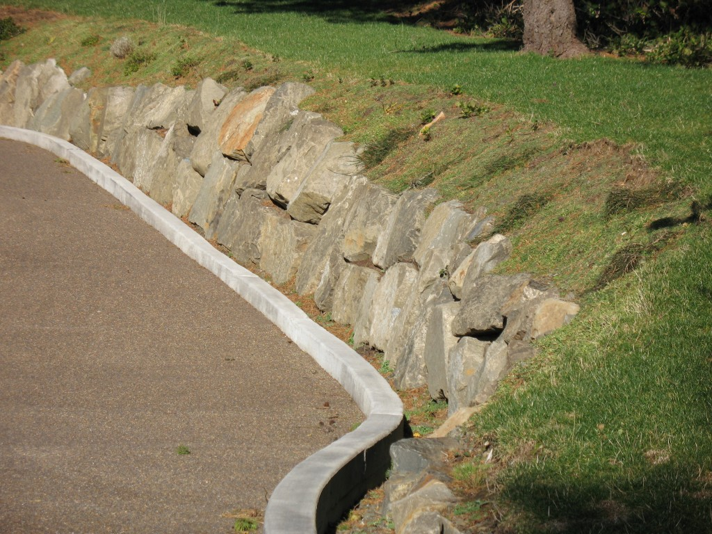 Small Rock Retaining Wall